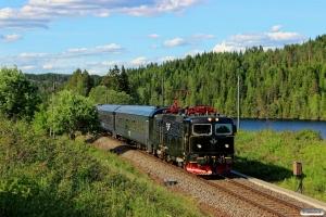 SJ Rc6 1383 med Pt 57. Åbogen - Matrand 10.06.2014.