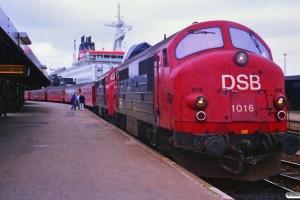 DSB MX 1016+MX 1025 med IC 108 Ar-Kh. Korsør 21.06.1988.
