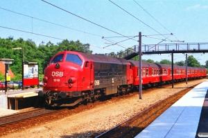 DSB MX 1019 med P 2155 Fs-Ba. Ølstykke 28.06.1988.