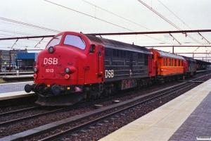 DSB MX 1013+SJ Qib 30 74 985 0 235-9+MX 1015. Roskilde 07.11.1989.