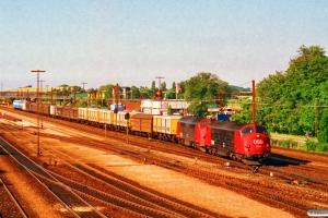 DSB MX 1014+MX 1025 med G 7295 Gb-Od. Korsør 29.06.1993.