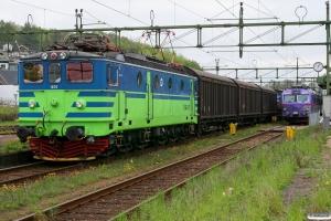 TGOJ Ma 401 med GT 43008 og Arriva X11 3105 som RST 1823. Åstorp 14.05.2010.