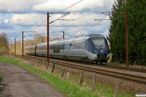 DSB MF 72+MG 13 som M 6133 Cph-Ar. Km 155,4 Kh (Marslev-Odense) 15.04.2012.