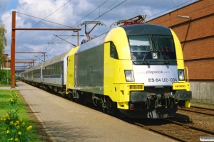 NOB ES 64 U2-034+Tomz+Tomz+Eomdz+BEomz+ABm+Bm som DPF 88179 Pa-Hamburg Hbf. Padborg 23.04.2004.
