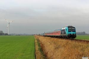 NOB 245 202-7+5 vogne+245 201-9 som NOB 81717. Lehnshallig - Niebüll 13.11.2016.