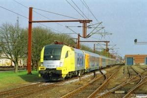 NNVG ES 64 U2-021+Av+AR+Bomz+Bo+Bo+Bo som DFR 84125 Pa-Hamburg Hbf. Padborg 25.04.2003.