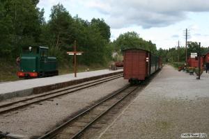 ÖSlJ Lok 16 løber om på tog P 20. Läggesta Nedre 28.08.2011.