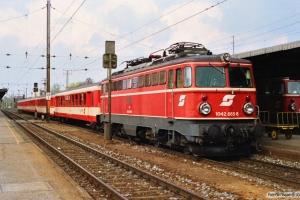 ÖBB 1042 665-8 med E 755. Wiener Neustadt 13.04.1991.