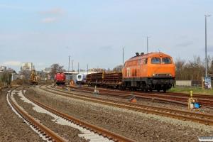 BBL 19 (ex. DB 215 015) og WFL 203 114-4. Husum Nord 01.04.2017.