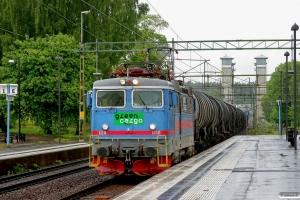 GC Rc2 1110 med GT 9423. Trollhättan 04.06.2012.