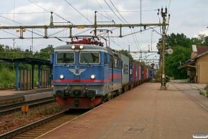 SJ Rc3 1054 med GT 49601. Laxå 27.08.2009.