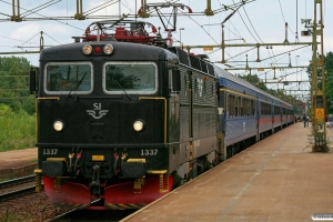 SJ Rc6 1337 med RST 171. Laxå 27.08.2009.