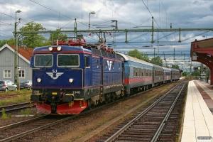 SJ Rc6 1340 med RST 372. Kil 04.06.2012.