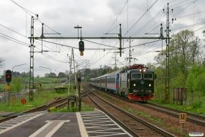 SJ Rc6 1377 med RST 204. Örtofta 13.05.2010.