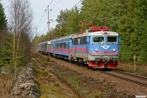 SJ Rc6 1387 med RST 638. Hasselfors - Laxå 15.04.2009.