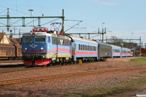 SJ Rc6 1387 med RST 633. Kristinehamn 16.04.2009.