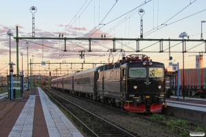 SJ Rc6 1389 med RST 28. Borlänge 11.06.2013.