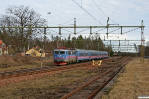 SJ Rc6 1393 med RST 637. Svartå 15.04.2009.