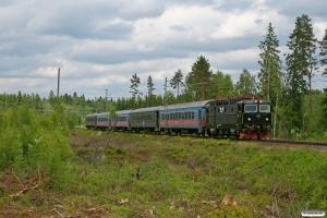 SJ Rc6 1412 med RST 329. Hillerstorp - Värnamo 08.06.2012.