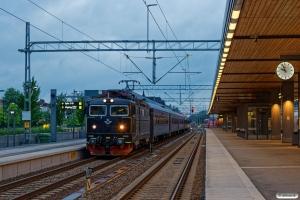 SJ Rc6 1418 med RST 49. Uppsala C 17.06.2018.