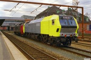 DSB ME 1529+Siemens ME 26-06 (ex. NSB Di6.666) som M 6324 Arg-Gb. Odense 11.04.2000.