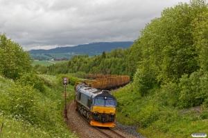 BRLL T66 404+T66 403 med Gt 5752 (Skogn-Trondheim S). Skogn - Ronglan 12.06.2017.