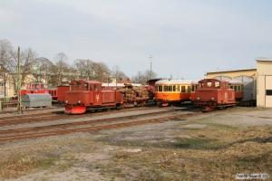 TJF Z43 429, SJ Z4p 261, YBo5 900, YBo5 897 og Z4p 264. Västervik 14.04.2009.