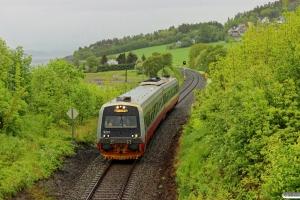 NSB BS 9257+BM 9207 som Pt 1760 (Steinkjer-Lerkendal). Sjølyst - Ranheim 11.06.2015.
