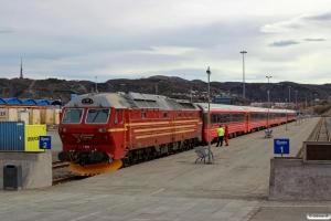 NSB Di4.654 med Pt 475 (Trondheim S-Bodø). Bodø 05.05.2016.