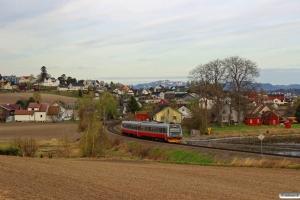 NSB BM 9213+BS 9283 som Pt 425 (Lundamo-Steinkjer). Ranheim - Sjølyst 06.05.2016.