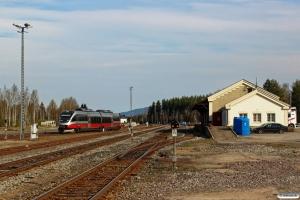 NSB BM 93.07+BCM 93.57 som Pt 2380 (Røros-Hamar). Elverum 07.05.2016.