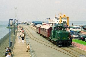 DSB MT 152+AU 253+BHL 401. Dagebüll Mole 11.08.2002.