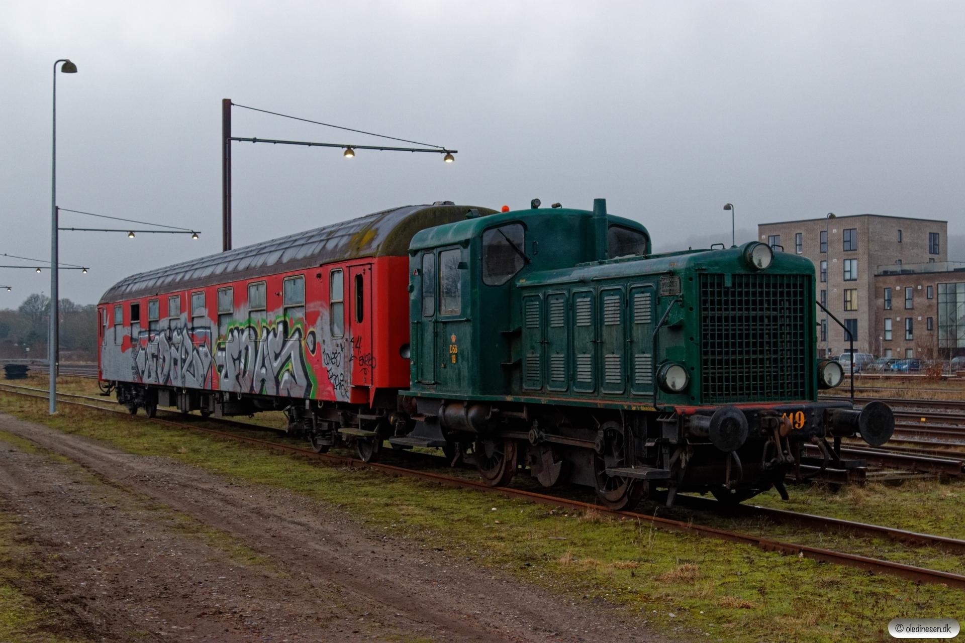 DSB Traktor 119+Ba-x 022. Ålborg 17.02.2019.