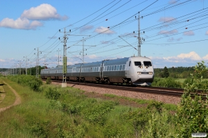 SJ UB2X 2508+5 vogne+SJ X2 2027 som RST 417. Älgarås - Slätte 17.06.2017.